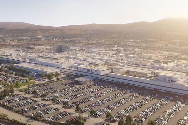 馬斯克預告在美國東北部蓋第三座特斯拉超級工廠