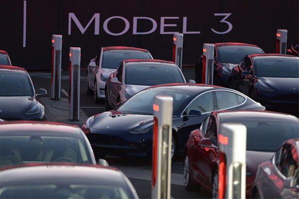 六個月狂賣 24 萬輛!特斯拉 Model 3 稱霸 2021 上半年全球電動車市場