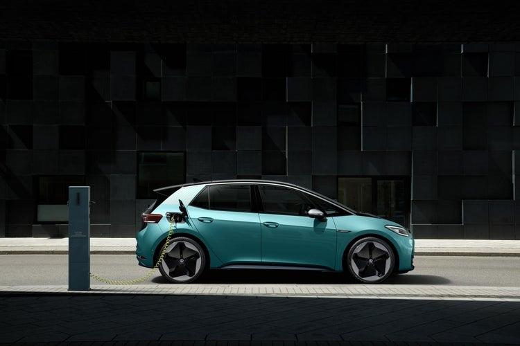 福斯最平價 ID.3 國民電動車於法蘭克福車展正式發表!明年第三季開始交車 - 3