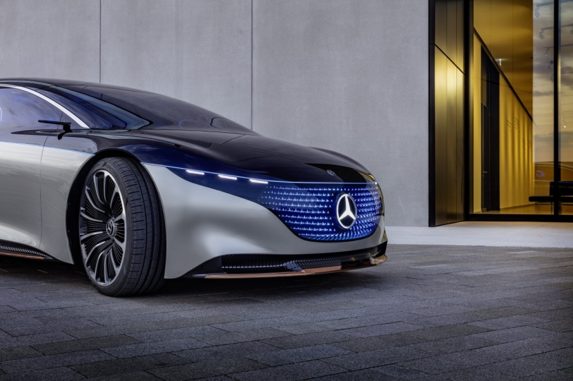 M.Benz Vision EQS:賓士 S 級電動豪華房車 能跑 700 公里 - 2