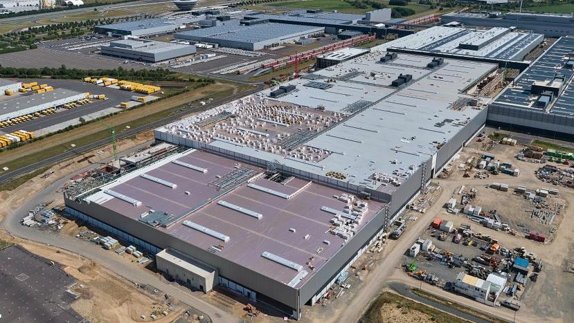 保時捷電動休旅車-Macan-工廠主體完成,力拚-2022-年生產上市-1