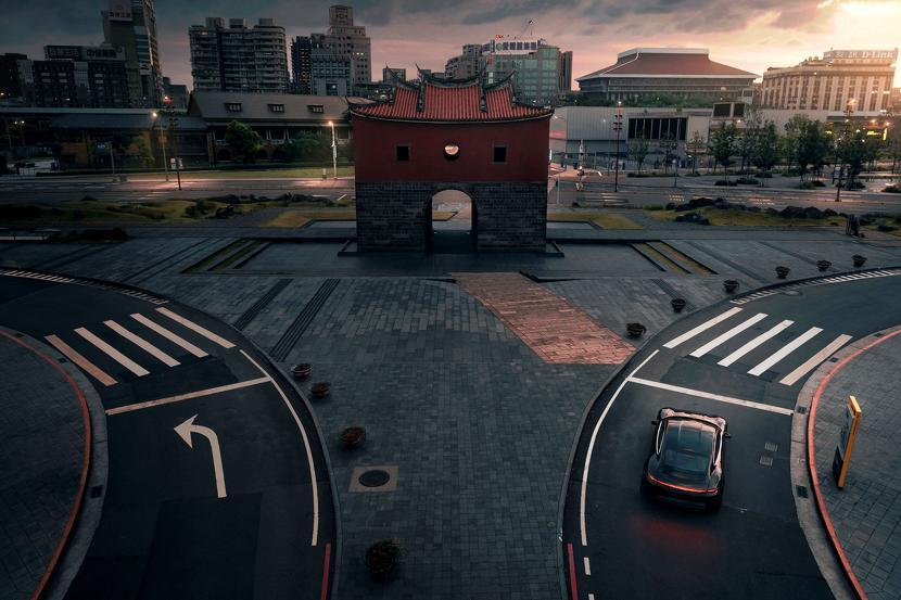 保時捷電動跑車-Taycan-現身台北街頭,即將在台啟動純電新世代-2