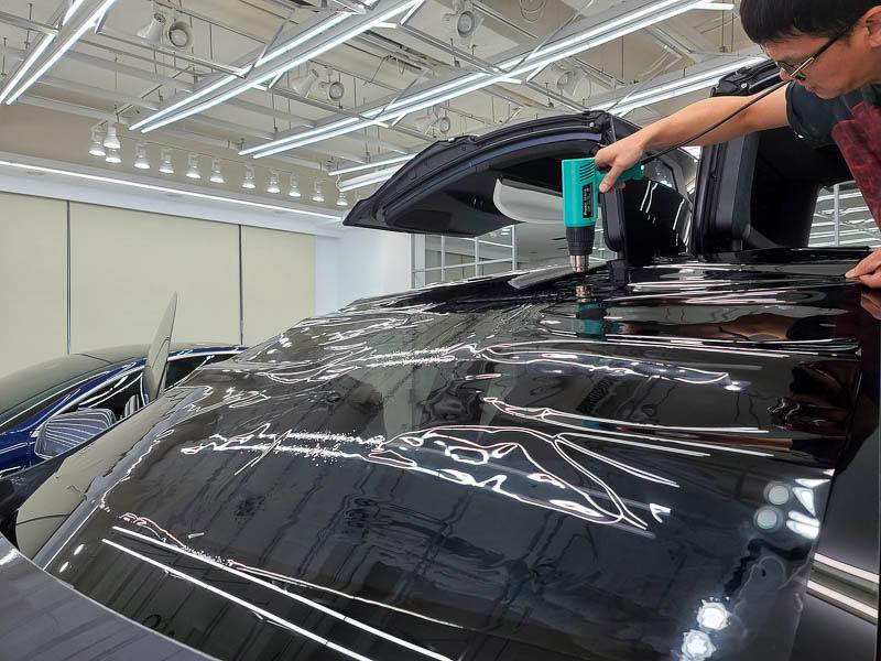 特斯拉FSK高性價比隔熱紙分享-(內湖宜展):體驗專業諮詢和車友大推的精緻施工就來這裡吧!-11