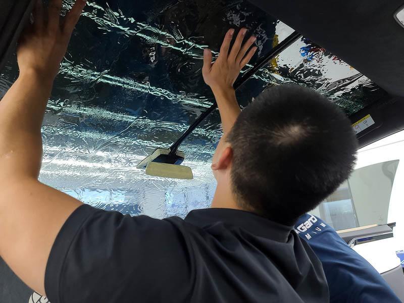 特斯拉FSK高性價比隔熱紙分享-(內湖宜展):體驗專業諮詢和車友大推的精緻施工就來這裡吧!-13