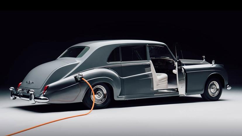 曾說插電感覺不尊榮,勞斯萊斯改口大讚電動車:與品牌「完美契合」-4