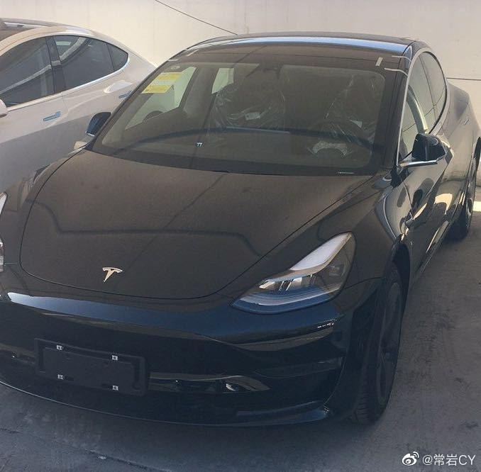 傳說中的-Model-3-新版頭燈已出現在中國車型:更遠、更亮、更集中-1
