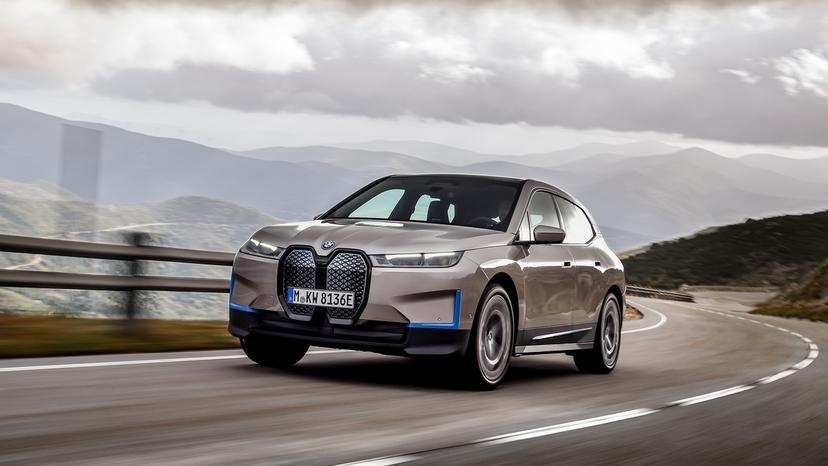 BMW-揭露最新一代-iDrive-系統:車輛之間可互動、iX-旗艦電動車率先採用-4