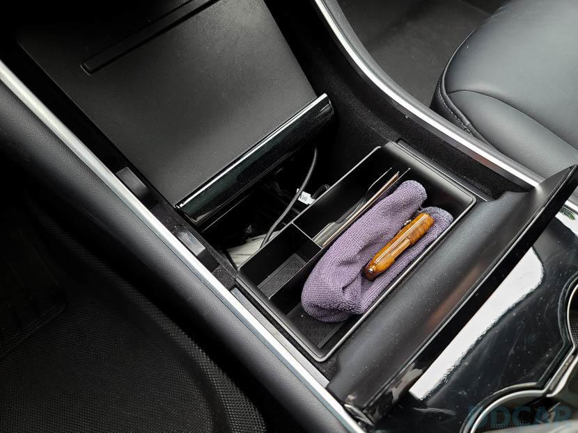 Model-3-中控側邊置物盒分享:適合車內永遠都想放更多東西的你-7