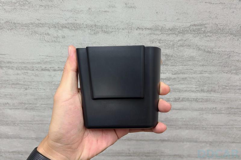 Model-3-中控側邊置物盒分享:適合車內永遠都想放更多東西的你-1