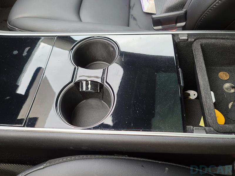 舊款-Model-3「消光黑」中控裝飾配件動手貼:5XX-元換上清爽簡潔新內裝-2