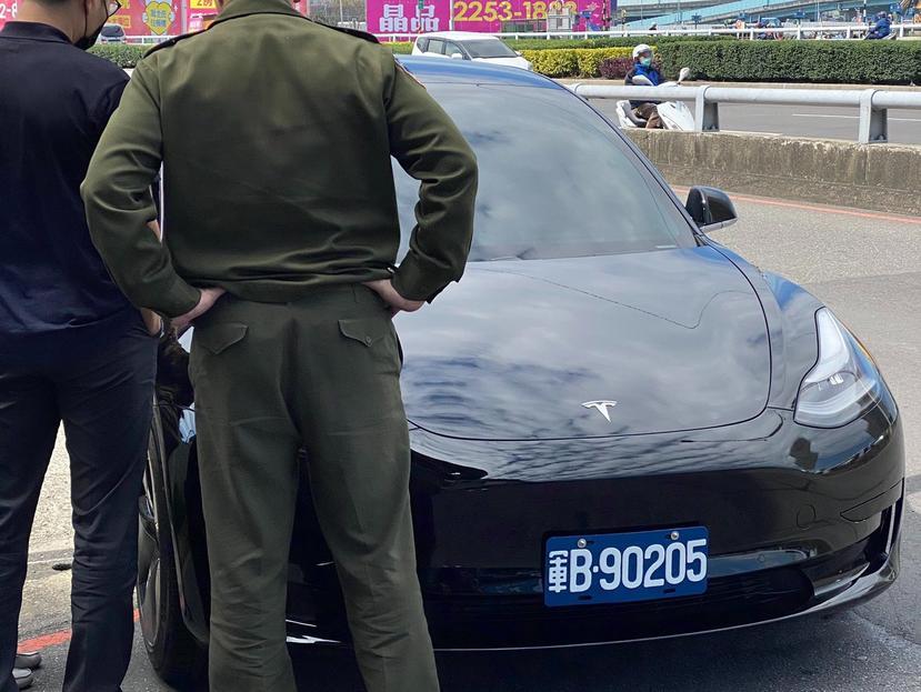 紐約首輛-Model-Y-警車上路值勤:長期持有成本低,用綠色能源取代燃油警車-3