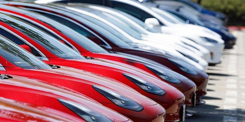 2020-年最熱銷電動車是它!特斯拉-Model-3-全球狂賣-36-萬輛,三度蟬聯銷售冠軍-1