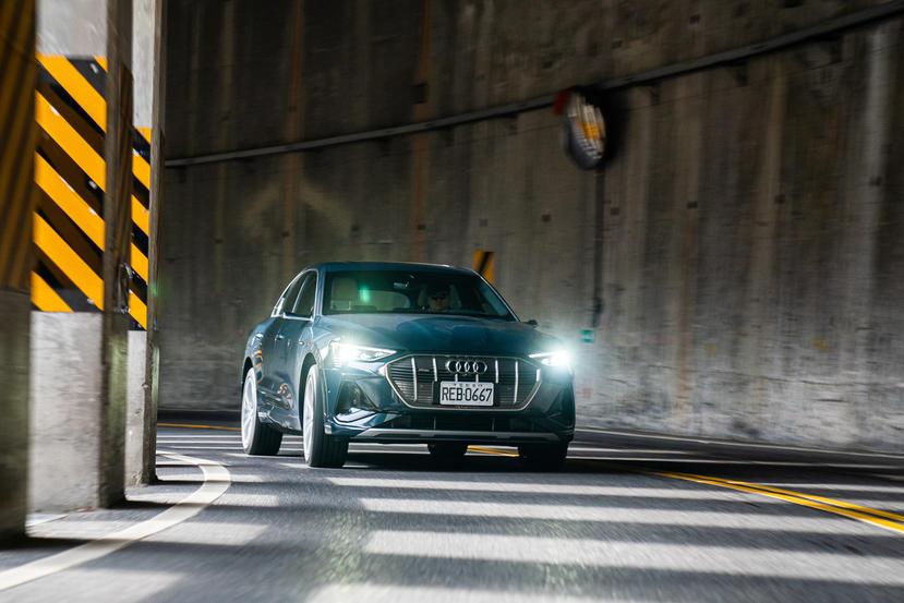 開著-Audi-e-tron-翻山越嶺跑中橫:傳統車廠做的「電動車」好不好?里程焦慮不焦慮?-14