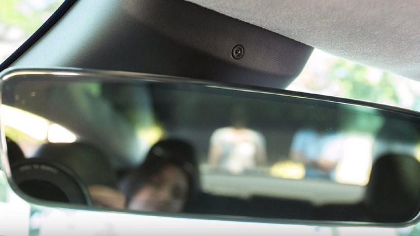 特斯拉-Model-3-Y-率先啟用車內鏡頭監測駕駛專注度-(2021.4.15.11-美版軟體)-1