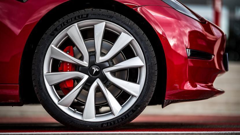 特斯拉召回-6-千輛-Model-3-Y:煞車卡鉗螺栓鬆動,美國中國已發出公告-1