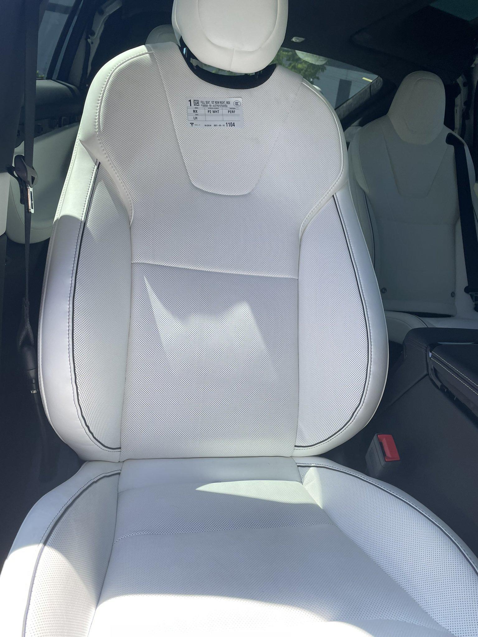 更多新版-Model-S-X-近距離直擊:通風座椅、車內鏡頭、後座螢幕...與更多細節-3