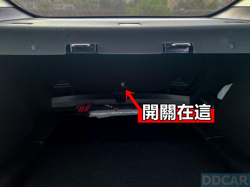 【教學】Model-3-車門與行李廂尾門都有脫困機械開關,「卡在車內窒息」根本不可能-4