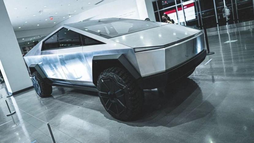 強化機動性,馬斯克證實特斯拉-Cybertruck-科幻皮卡也有四輪轉向機能-1