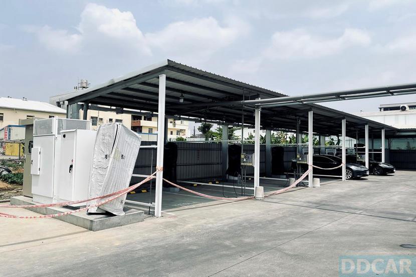 特斯拉草屯-V3-超充樁開始施工,距離通電啟用更近一步-2