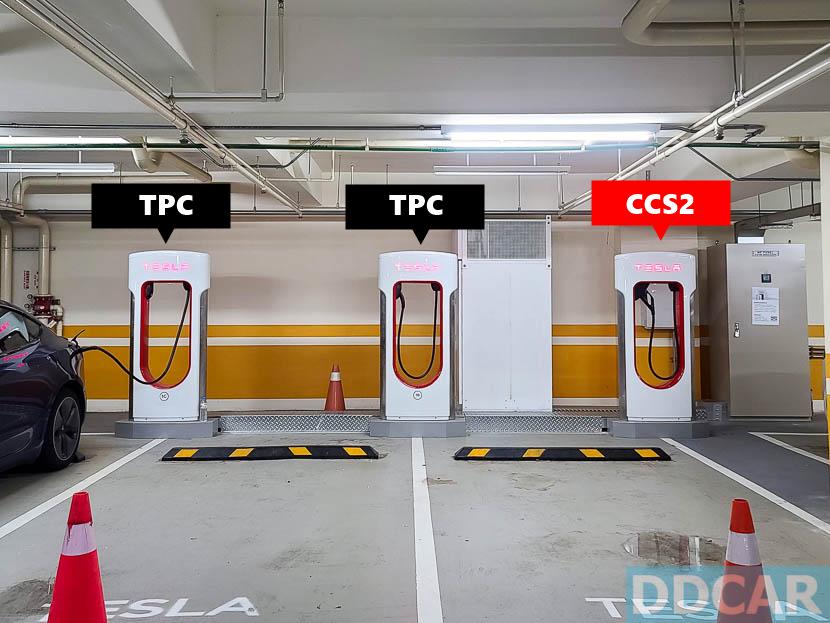 特斯拉土城-V3-超充已改為-1-支-CCS2-與-2-支-TPC-的雙規組合-1