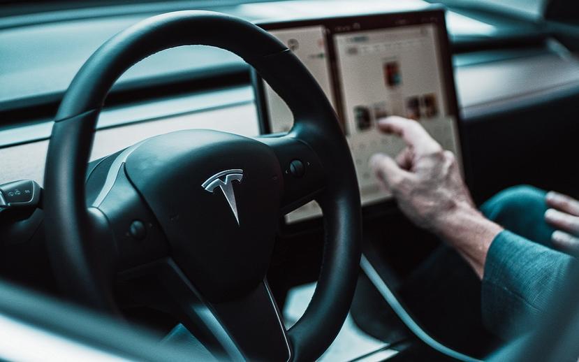 特斯拉自動輔助駕駛低調進化:當車外能見度不佳,Autopilot-會自動調降車速以求安全-1