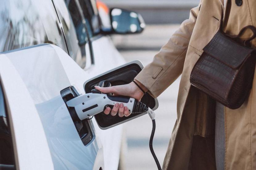 歐盟正式制定更激進的減碳目標,2035-年起-27-個會員國不得再賣燃油車-2