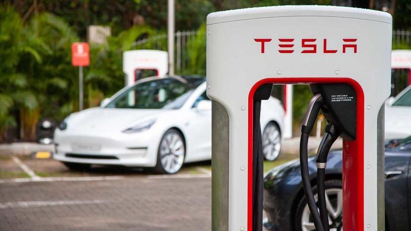 充電速度又會更快!馬斯克確認特斯拉超充功率正在升級到-300-kW-1