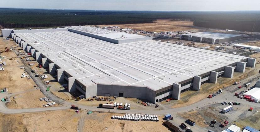 特斯拉更新德州、柏林工廠進度:今年有望生產-Model-Y-且會搭載-4680-電池-1