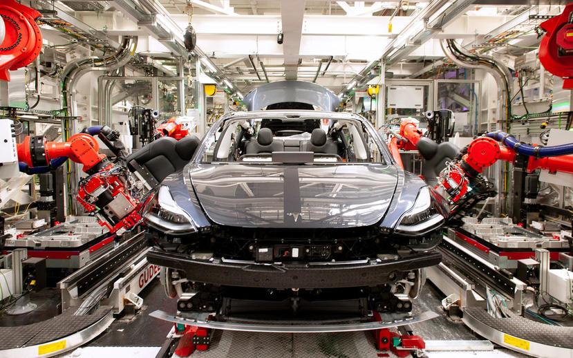同樣遭遇晶片荒:傳統車廠迫關廠停產,特斯拉用改寫軟體並研發-19-種新控制器度過危機-1