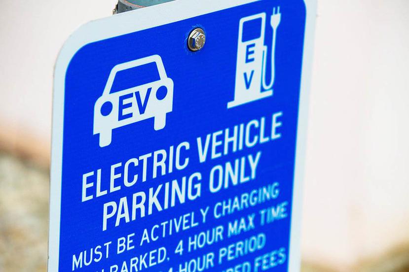 彭博社大膽斷言燃油車銷量已見頂,並宣告車市未來屬於電動車-1