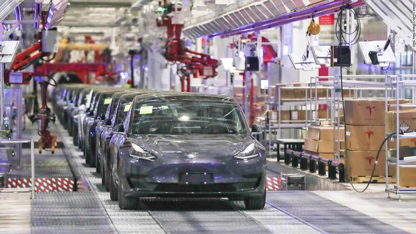 最快九月就可交車,特斯拉確認在美開賣特磷酸鐵鋰電池版-Model-3-SR+-1