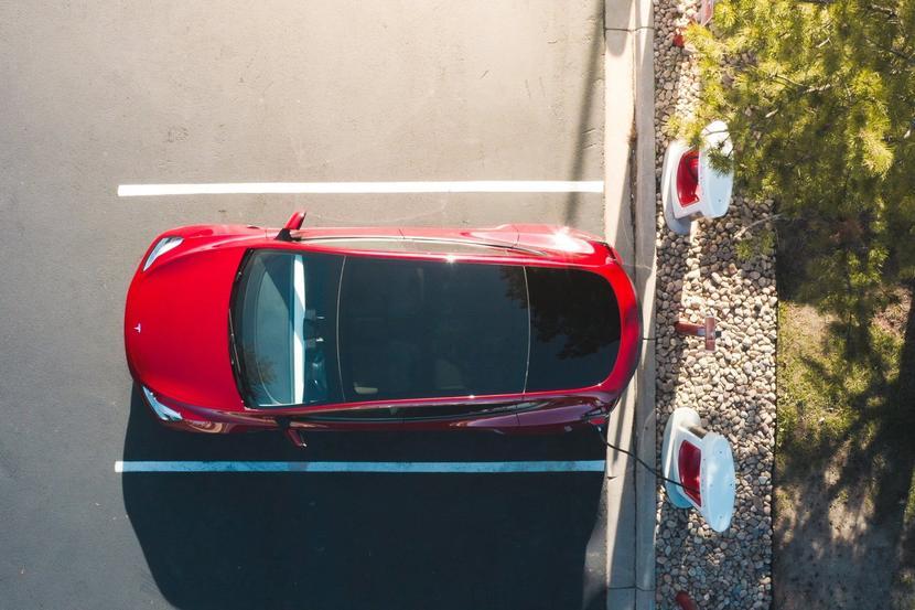 特斯拉-Model-3-台版車主手冊已加入「磷酸鐵鋰」電池使用說明,這個意思是?-3